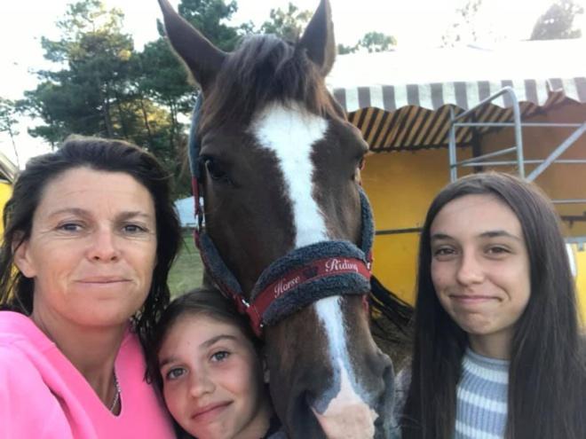 Les filles et leur coach Floriane.