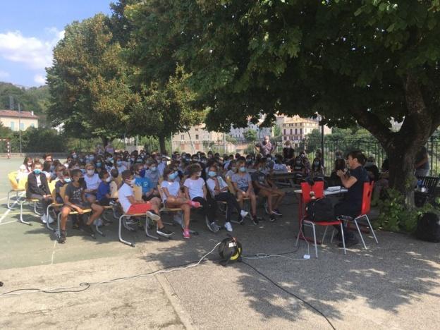 """""""Non-violence"""" au collège de Vicu avec Jean François Bernardini"""