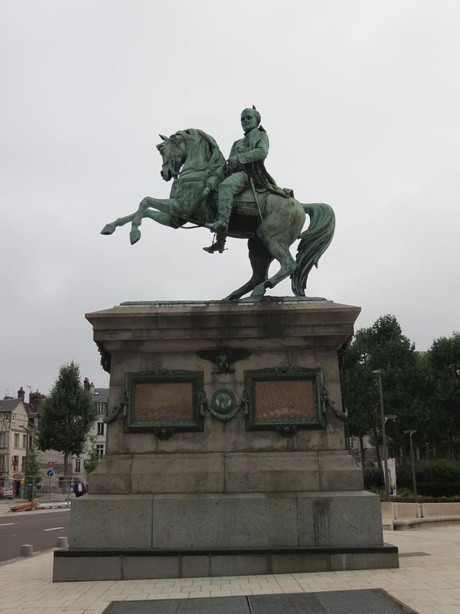Statue équestre de Napoléon à Rouen.