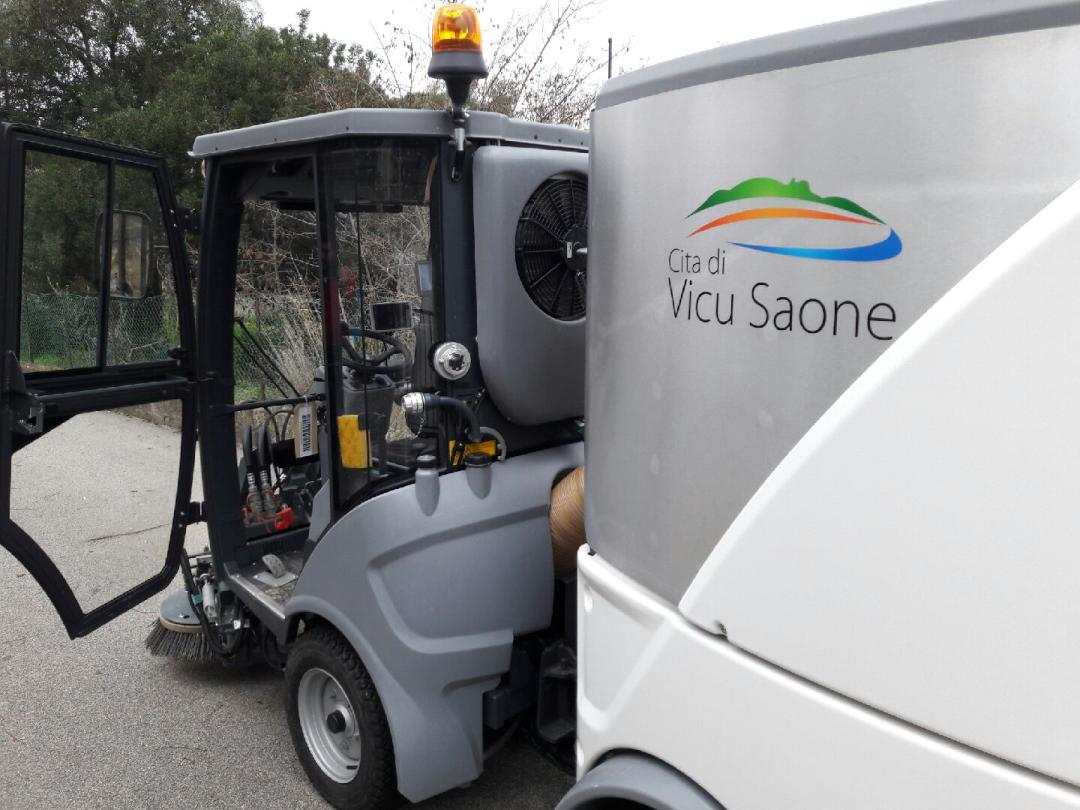 Une balayeuse pour les rues de Vico et Sagone