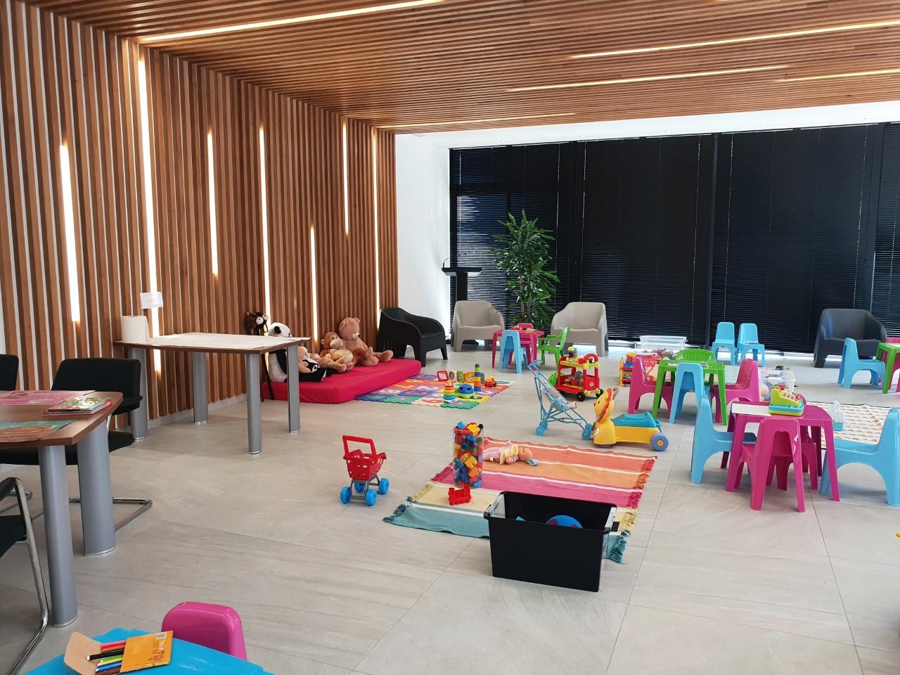 La salle des délibérations transformée en lieu d'échanges parents/enfants