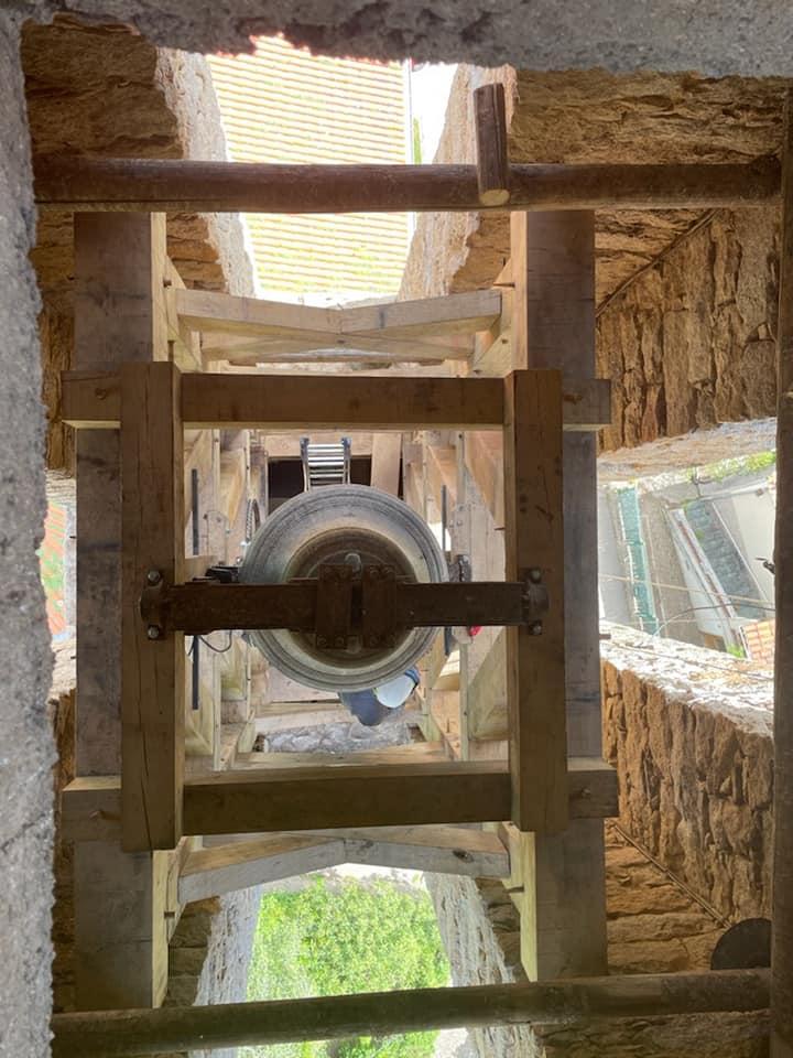 Un nouveau beffroi pour le clocher de Vico